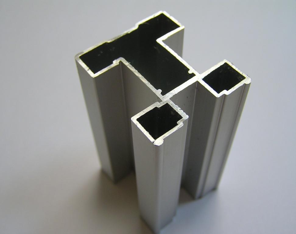 AIR  Вертикальный профиль Quattro, серебро, 5400мм
